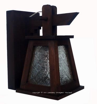 โคมไฟไม้สักติดผนัง กระดิ่งคางหมูกระจกขาว