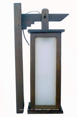 โคมไฟไม้สักติดผนัง กระดิ่งสี่เหลี่ยมยาวกระจกฝ้า