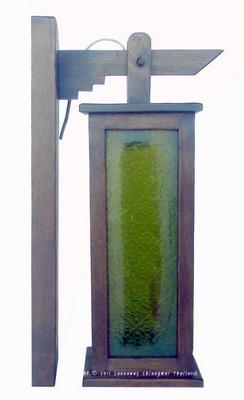 โคมไฟไม้สักติดผนัง กระดิ่งสี่เหลี่ยมยาวกระจกสี