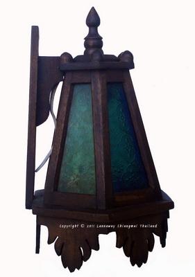 โคมไฟไม้สักติดผนัง ดอกจำปีกระจกสี