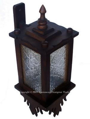 โคมไฟติดผนังไม้สัก สี่เหลี่ยมกระจกขาว