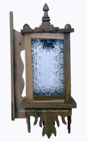 โคมไฟติดผนังไม้สัก สี่เหลี่ยมกระจกขาว สีธรรมชาติ