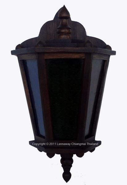 โคมไฟติดผนังไม้สัก หลังเต่ากระจกสี